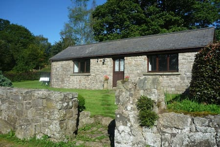 Oakgrove Rural Detatched Cottage - Brockweir Common, Chepstow - バンガロー