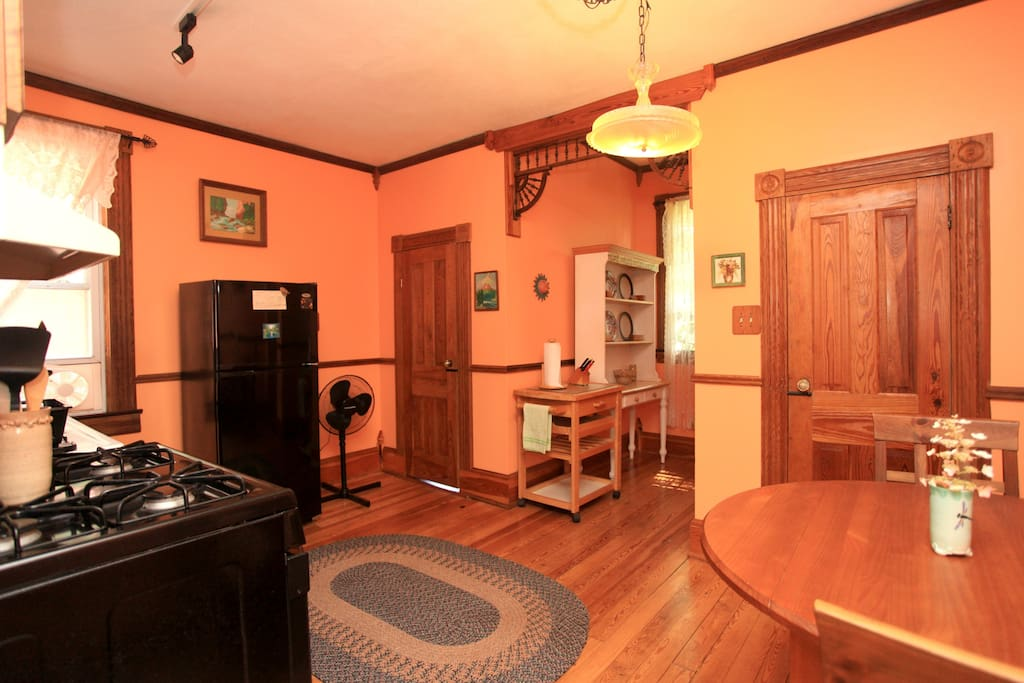 Upstairs 2 Bedroom Private Apartment Marshall Guest