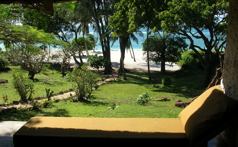 Tiwi Baobab House, Tiwi Beach