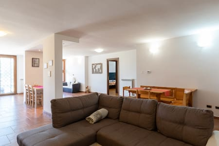 Big villa w/ garden 25 minutes to center of Rome