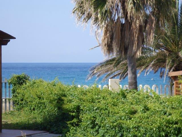 Fantastica villa sul mare!! - Solanas - Huis