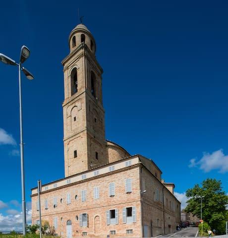 ALL'OMBRA DI TRE GIGANTI 3 - Monte San Pietrangeli - House