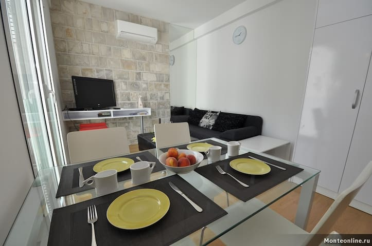 1-BEDROOM APARTMENT IN OLIVE GROVE - Pržno - Appartamento