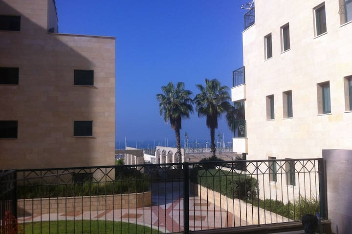 Right on the beach  comfortable well equipped room - Ashkelon - Wohnung