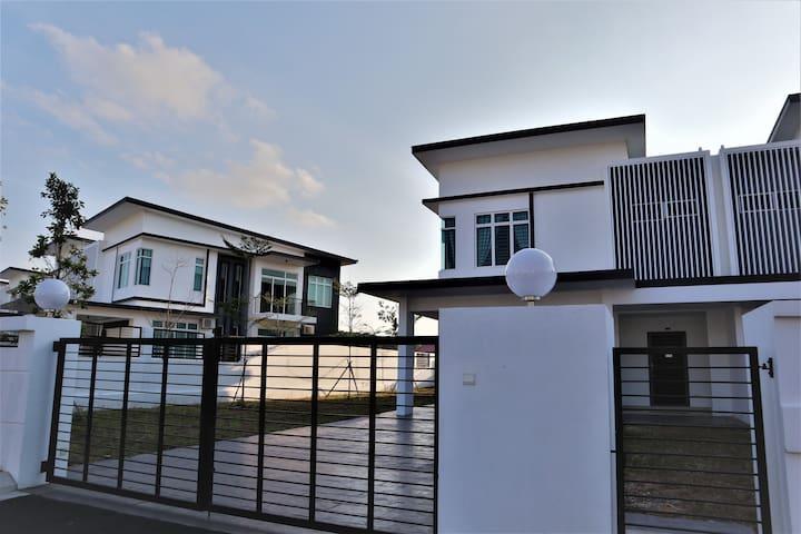 Desaru Luxury Villa By Fourtrees Group