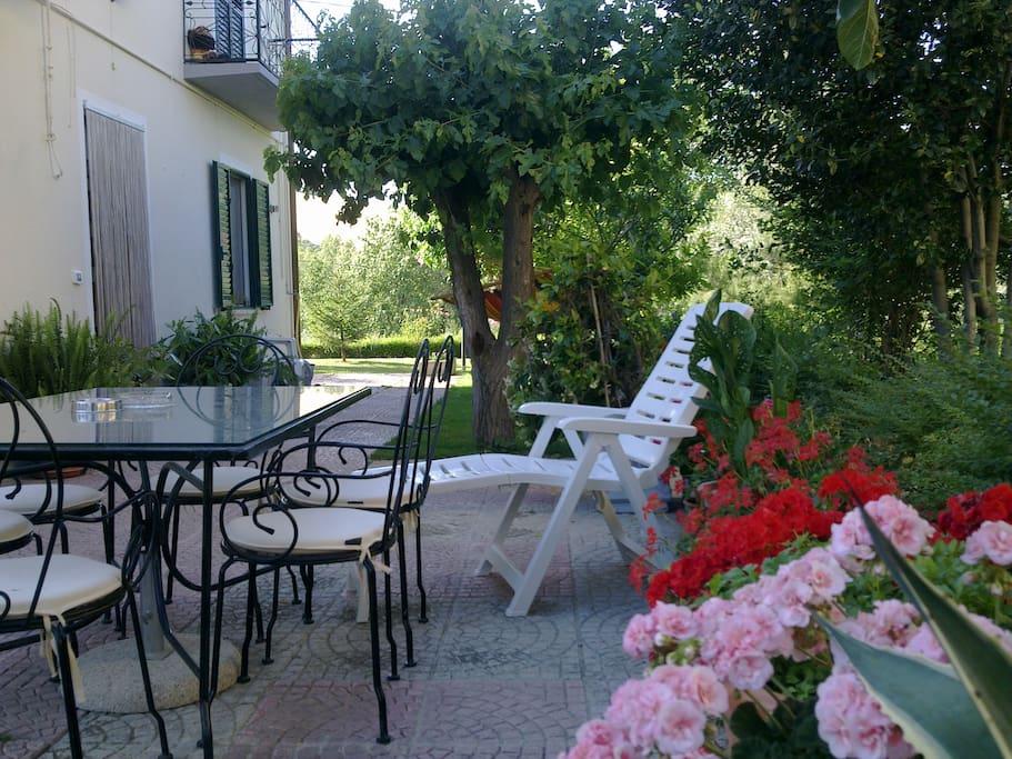 Casa mare in campagna con giardino case in affitto a - Casa con giardino milano ...