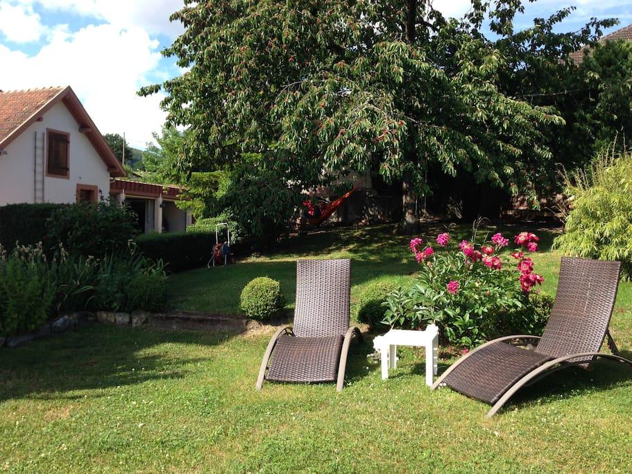 Côté jardin où vous pourrez vous détendre