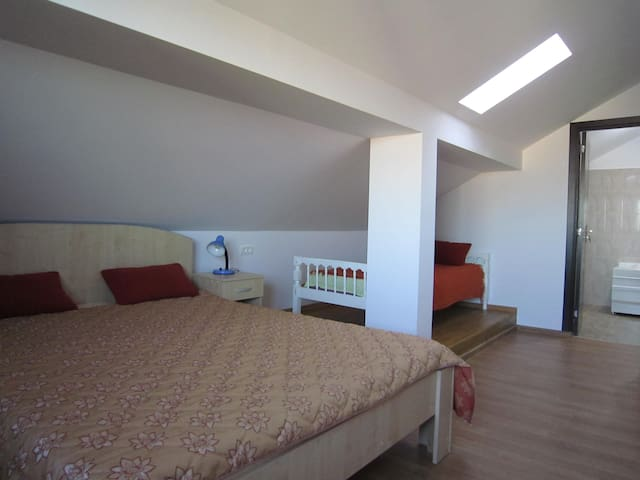 Big and bright room with sea view - Mangalia - Dům