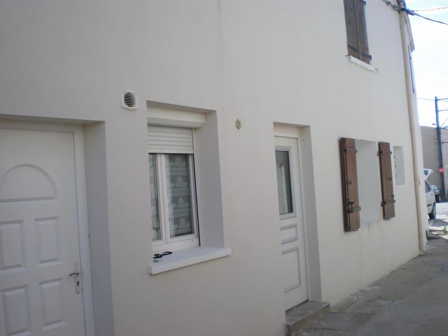 logement 56m2 quatier calme appartements louer la. Black Bedroom Furniture Sets. Home Design Ideas