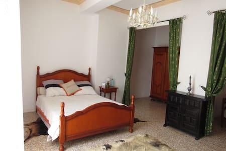 Chambre romantique 45m2 - Maison
