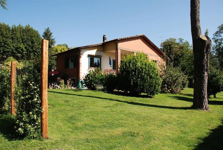 Nemi casa tipica di campagna
