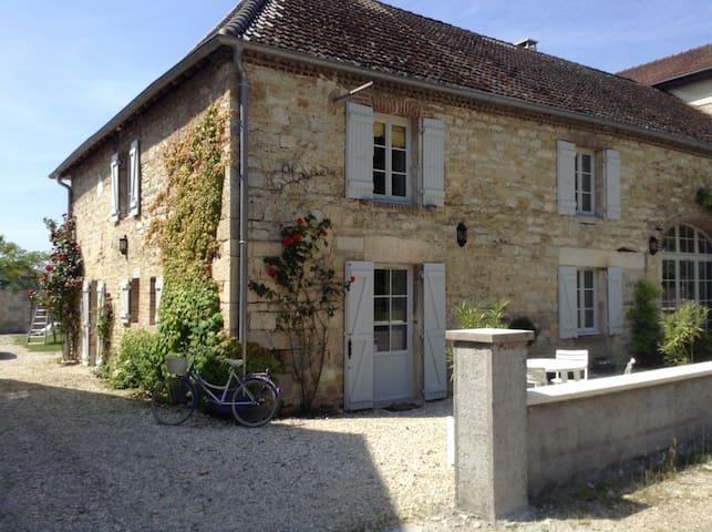 La Clairière : un gîte de charme - Chatelay - House