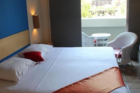 Tinggal Standard Kuta Bakung Sari 77 - Kuta - Bed & Breakfast