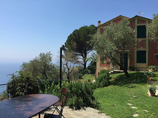 Villetta a Sant'Ambrogio di Zoagli - Zoagli - Huis