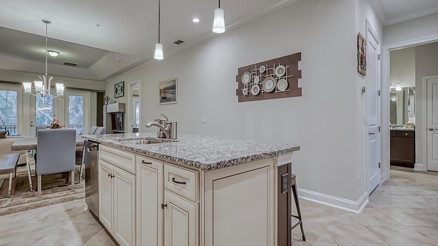 Kitchen - California Island