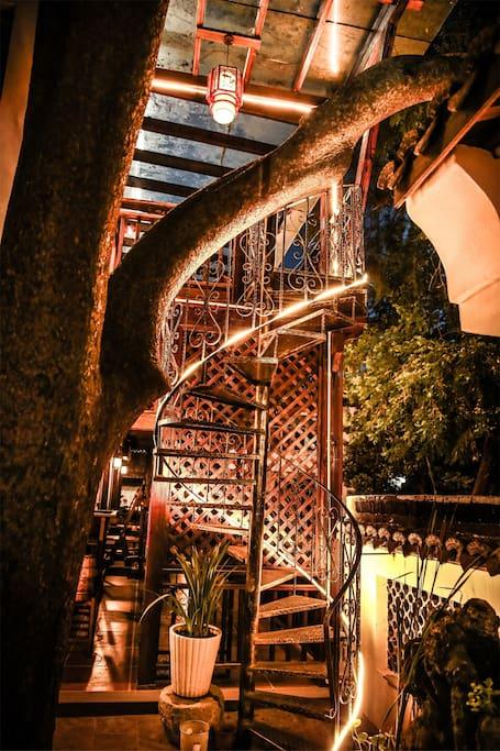 室外观景旋转楼梯