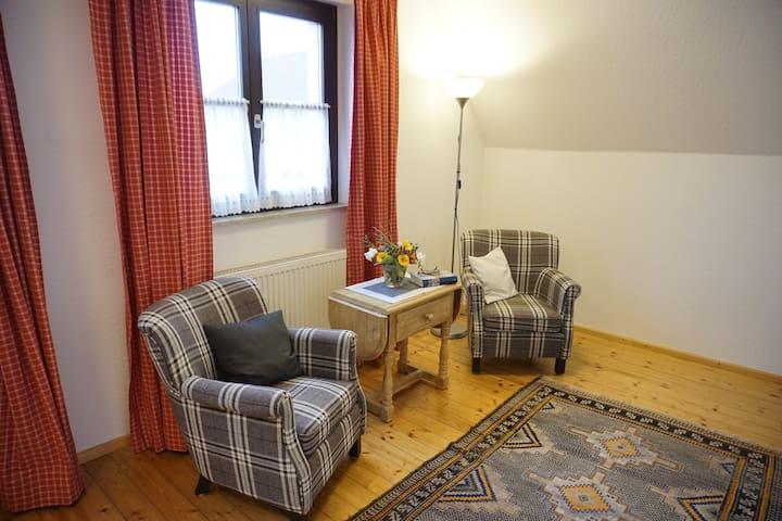 Wohlfühlzimmer inklusive reichhaltigem Frühstück - Großwallstadt - Bed & Breakfast