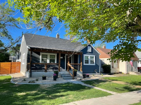 Relax on Rood - LOCATION! Updated Downtown Gem!