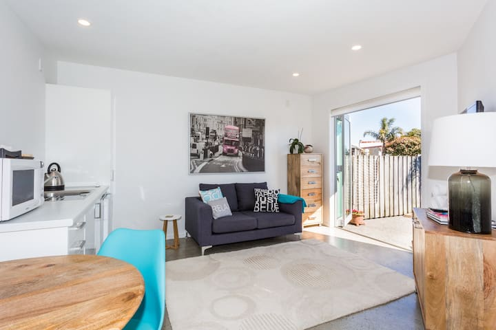 Sunny & Modern In Sought After Ahuriri! - Napier - Lakás