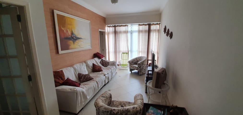 Apartamento equipado no Guarujá (Enseada)