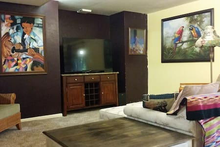 Artsy Private Spacious 1bd home Denver Tech Center - Greenwood Village
