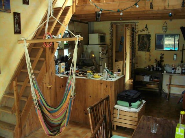 chambre claire style chalet - Pierrefeu-du-Var - House