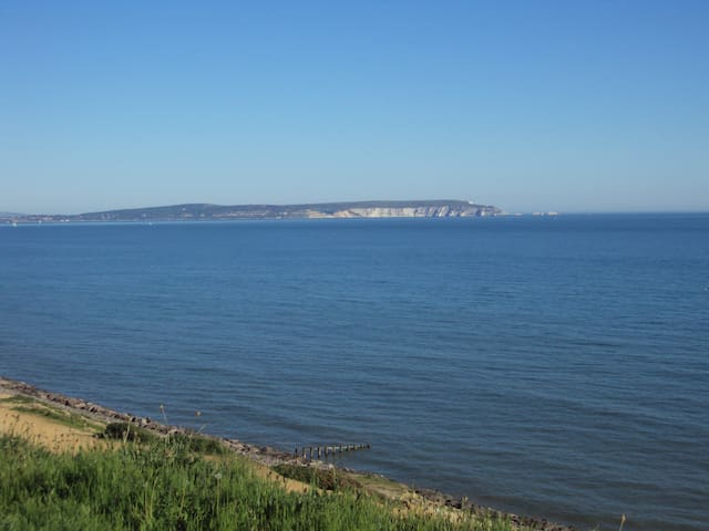 Detached house 1 min from cliff top - New Milton