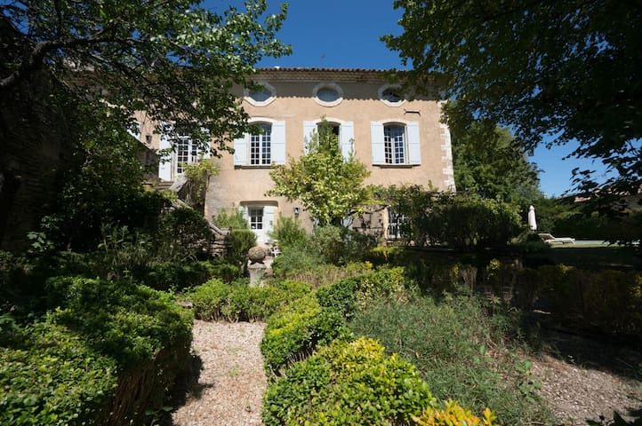 PROVENCE LUBERON/ TYPICAL HOUSE - Goult