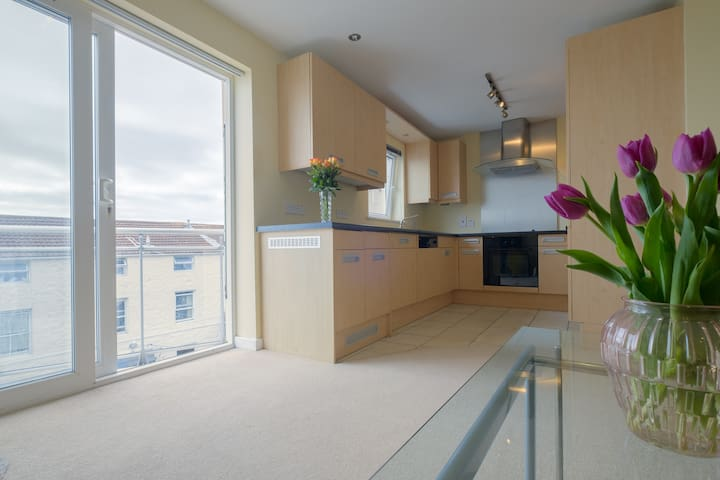 2 Bedroom Modern City Centre - Saint Peter Port - Lägenhet