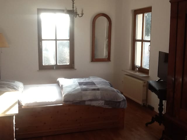 Doppelbettzimmer in Coburger Bestlage