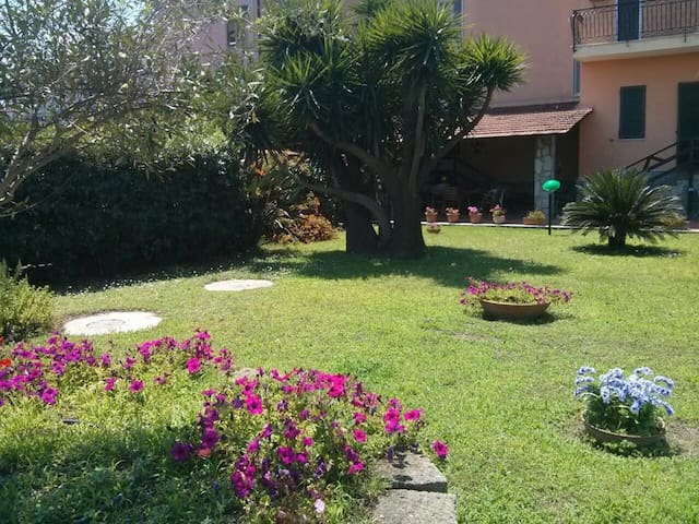 Nice house in Pompeii with big private garden - Pompei - Villa