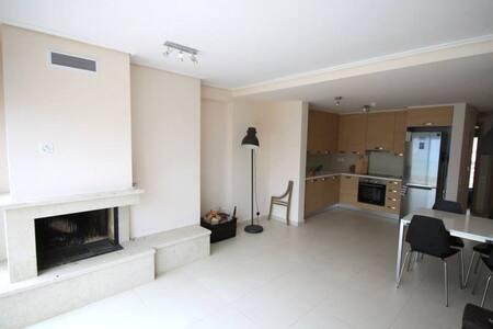 Amazing seafront apartment up to 7 people - Evia - Huoneisto