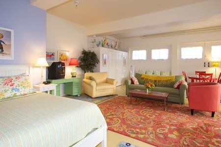 South End Burlington Suite - Burlington