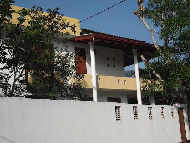 Lalith Villa 101 - Hikkaduwa - House