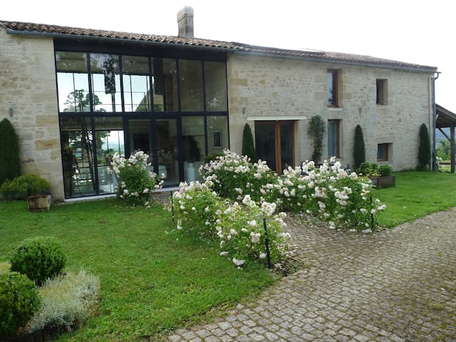 5Lasserre - Moulon - Bed & Breakfast