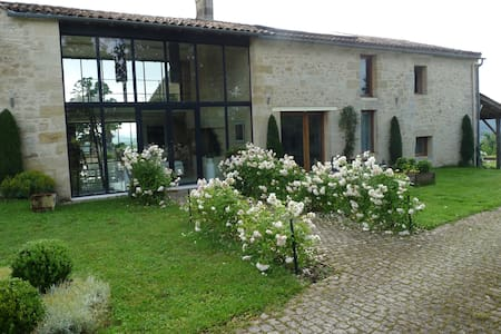 5Lasserre - Bed & Breakfast