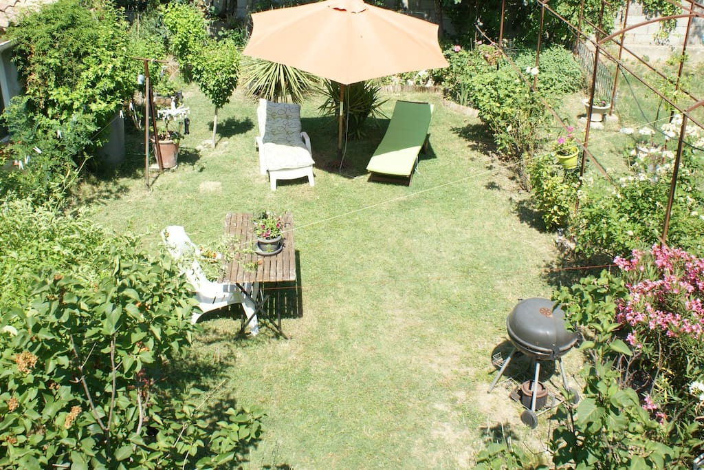 Appart 75m2 avec terrasse et jardin houses for rent in for Jardin 75m2