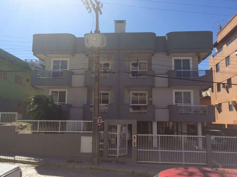fachada do condomínio