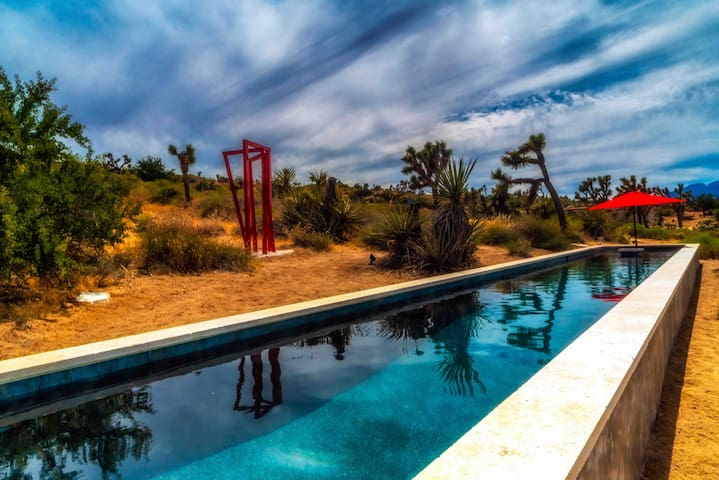 Vixen Motorhome on Artist Compound; pool & jacuzzi