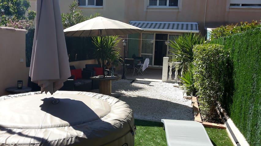 Charmante maison avec jardin à La Valentine - Marsella - Casa