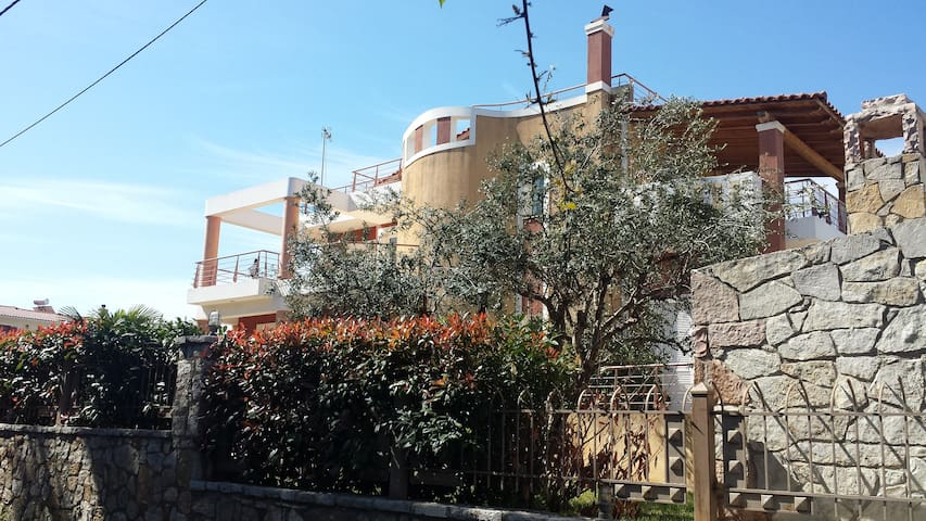 Demy Luxury Villa (400 m²), 4 min walk from beach. - Rio, Agios Vasilios - Vila