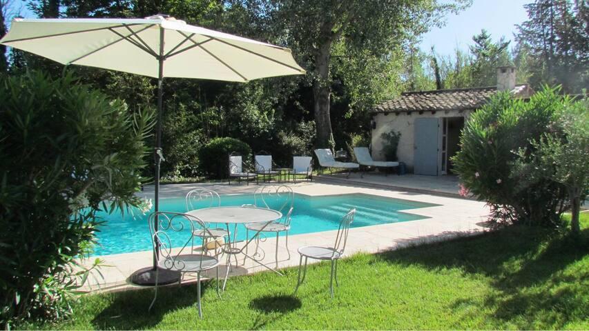 Grande Villa St Rémy de Provence, piscine, 8 pers - Saint-Rémy-de-Provence - Villa