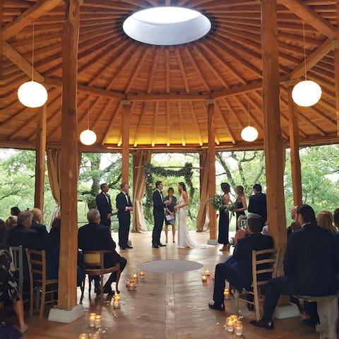 "Mary & Joshua wedding in ""Il Tondo"""