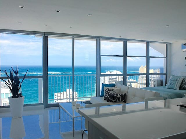 Modern Studio with Spectacular View - San Juan