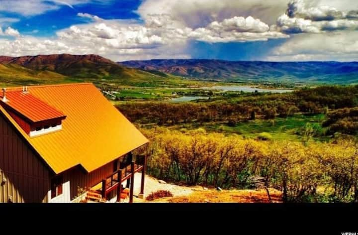 Private Mountain Retreat in Eden Utah - (Sleeps 8)