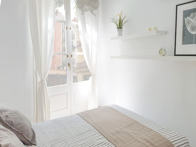 Best location: heart of old town, quiet street - Barcelona - Appartement