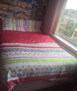 Bright comfy Private Room - Stockport