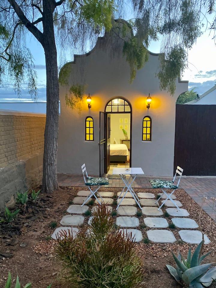 Victoria Garden Suite