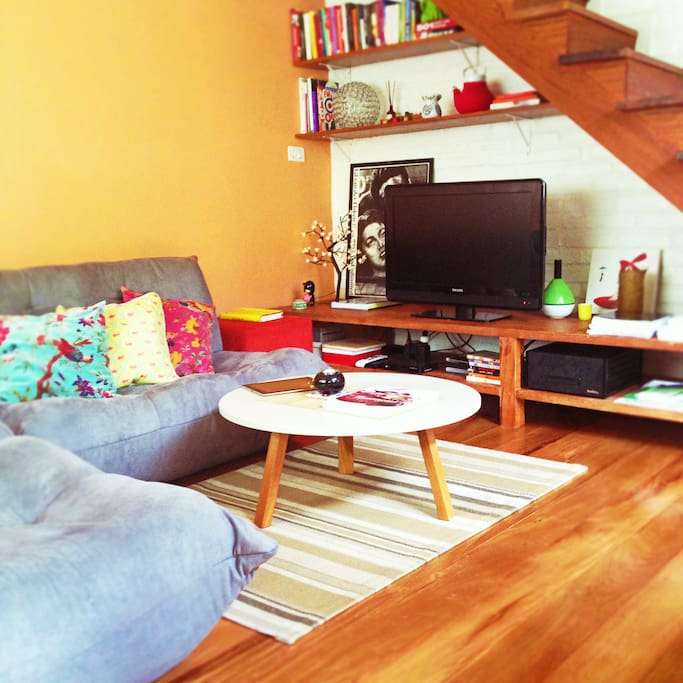 cozy living room | cable tv |