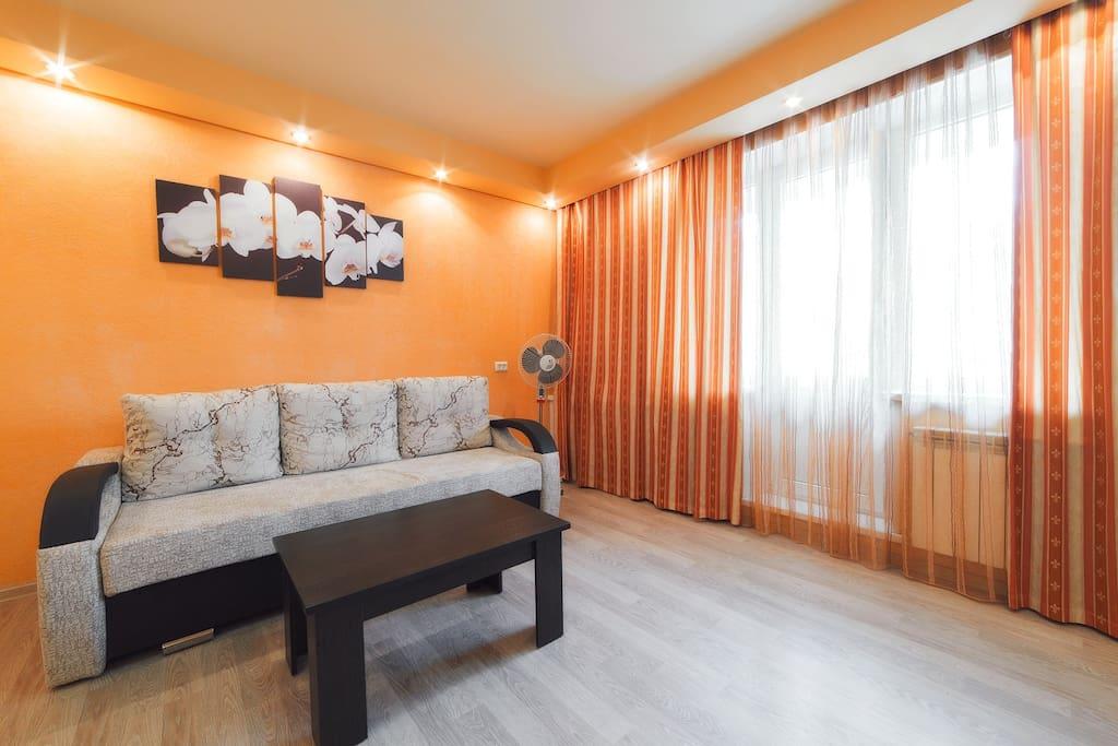 Чтобы спасти Вас от жары в квартире имеется вентилятор